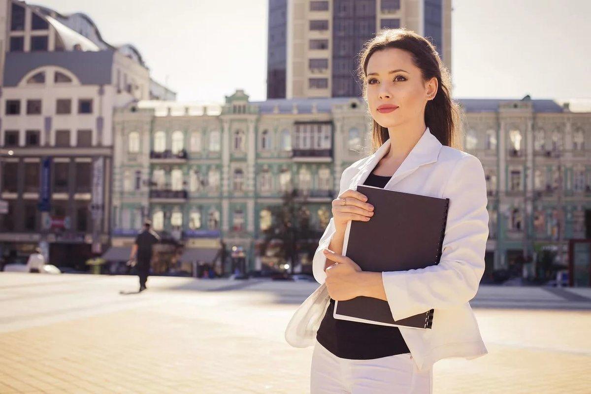 Поздравления открытках, картинки деловой девушки