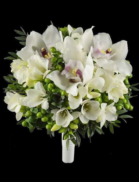 Красный, свадебный букет орхидей фрезий