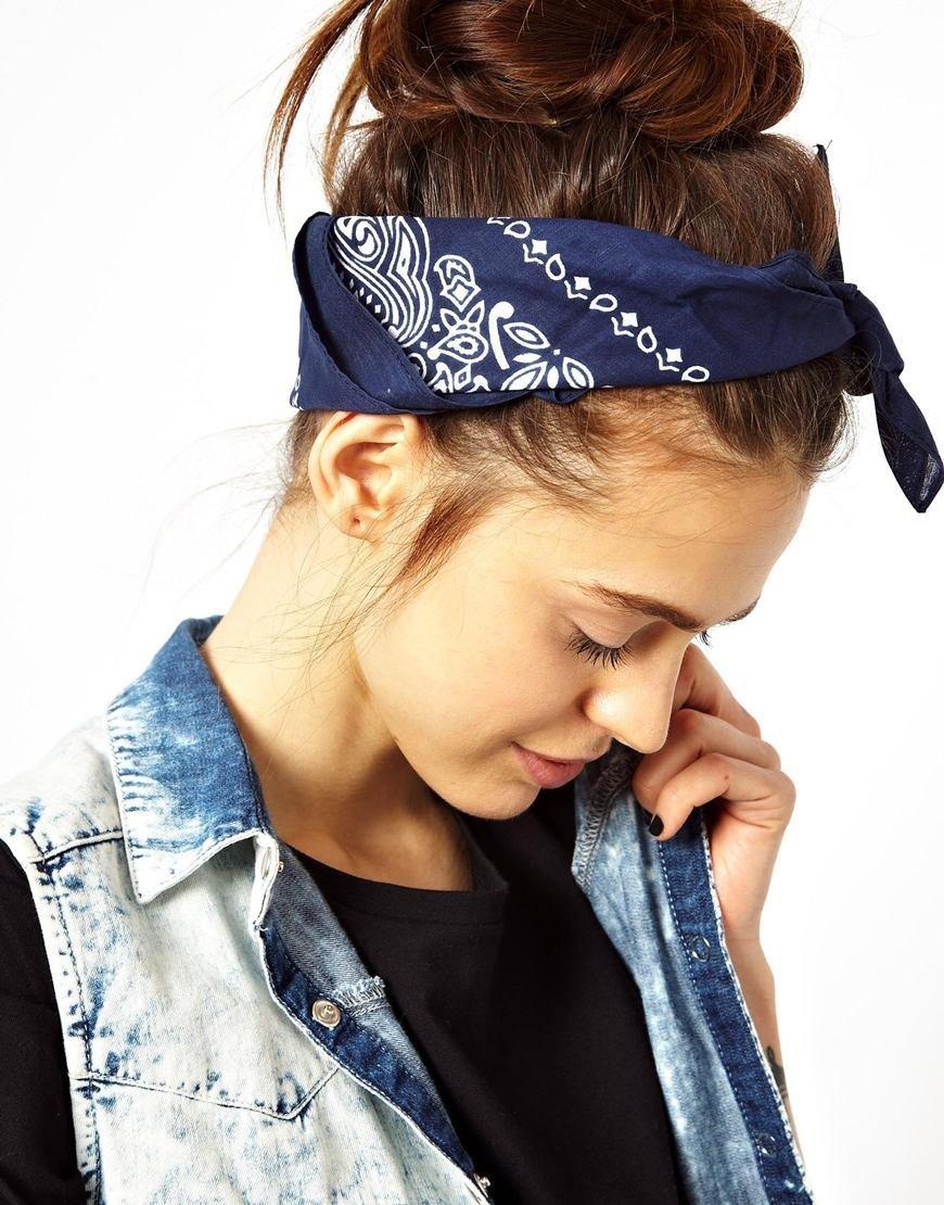 Девушки в банданах на голове
