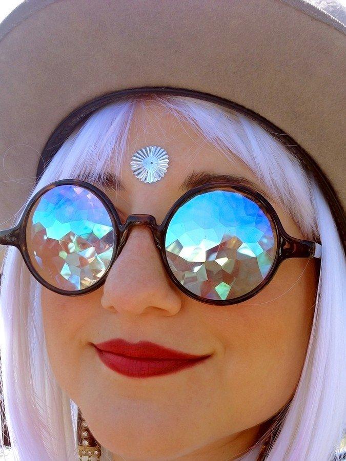 необычные картинки с очками или розеолезный сифилид