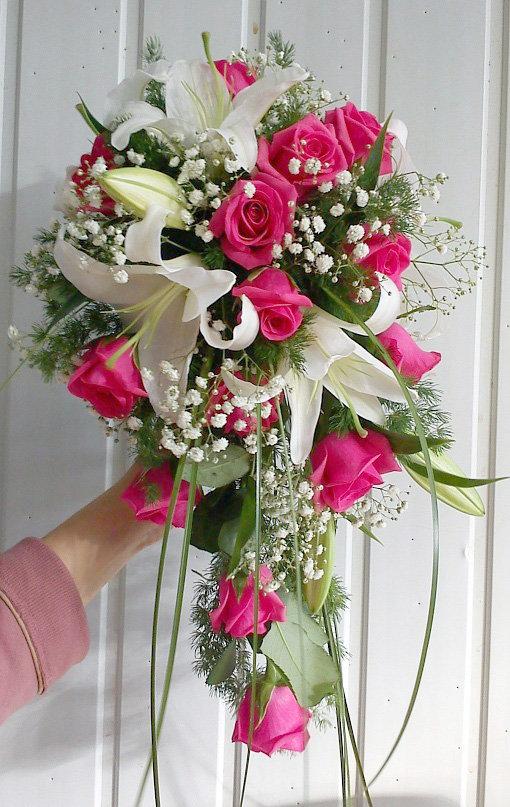 Цветов, свадебный букет из 13 роз и лилий