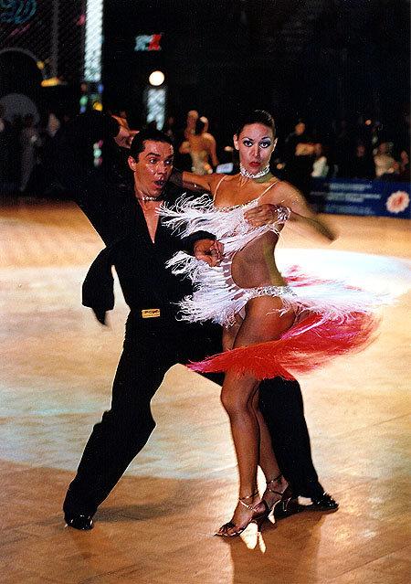 Деловая фото засветы бальные танцы общаге