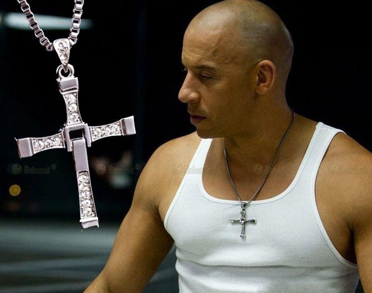крестик из фильма форсаж фото