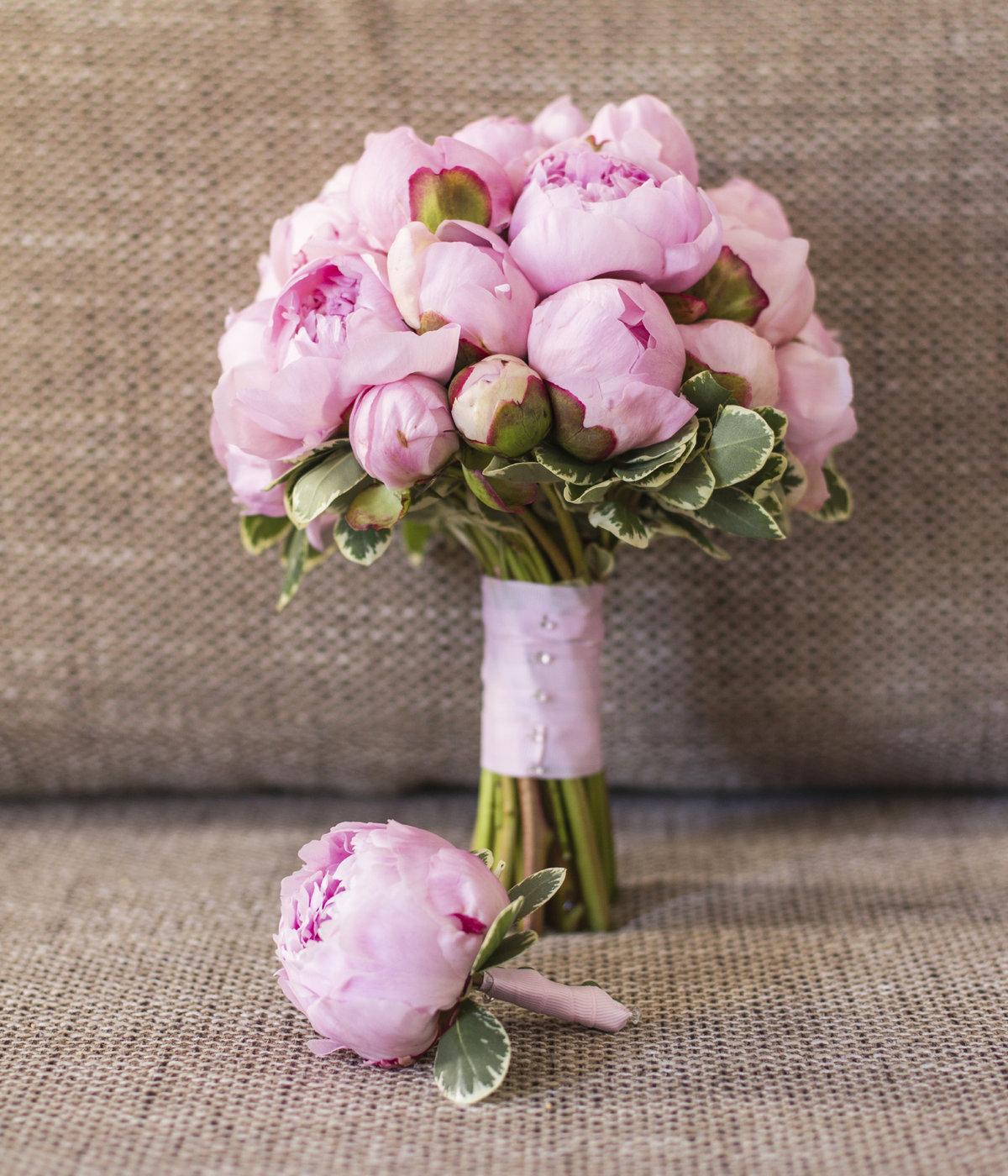 Букет для невесты подешевле в спб пионов, цветов