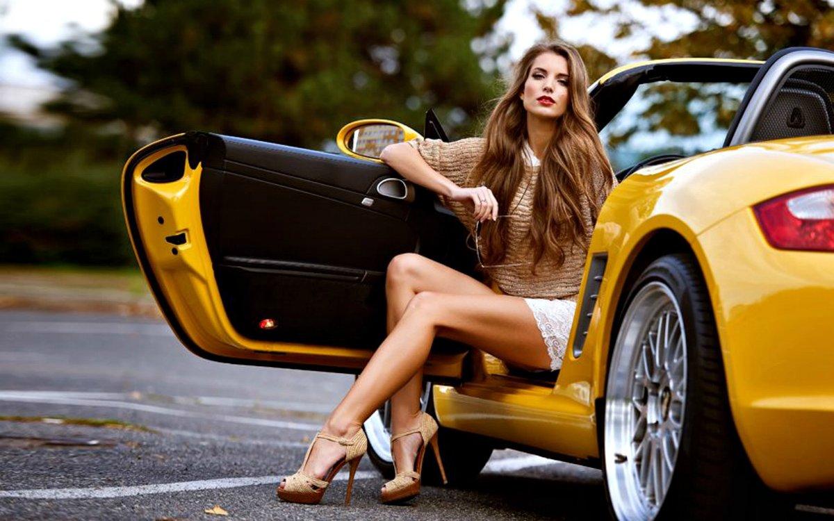 Шикарные девушки и красивые машины трахает русскую