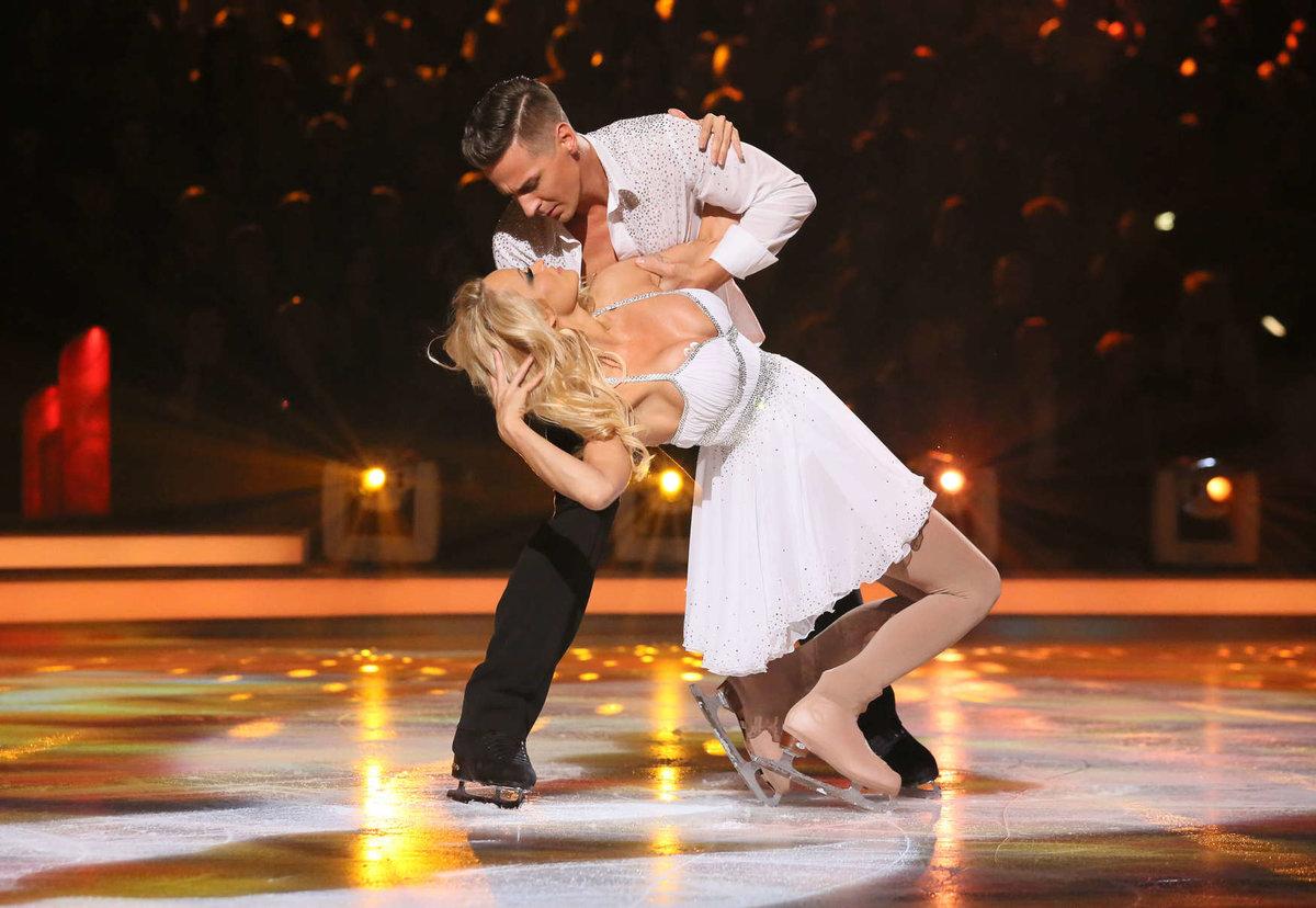 эротические фото танцующих на льду нежной страстью