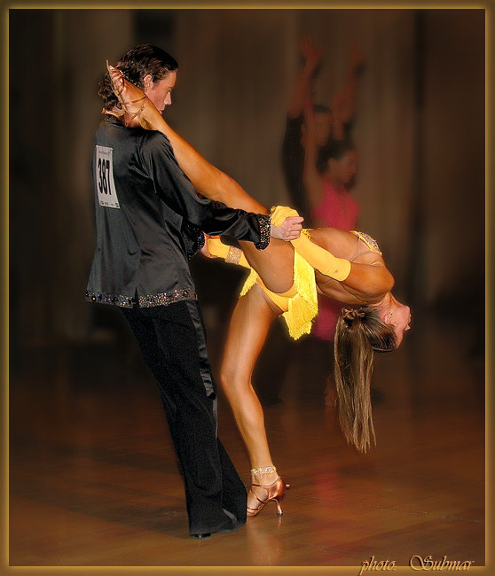 Пикантные эротические фото в бальных и спортивных танцах него