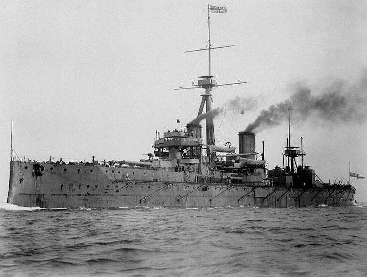 a history of dreadnought in the british fleet The ideas of an obscure italian naval architect ignited an arms race that involved the world's great and not so great naval powers the early 1900s was a dynamic era in the annals of naval warfare when fred t jane's respected annual, fighting ships, published an article in 1903 by italian.