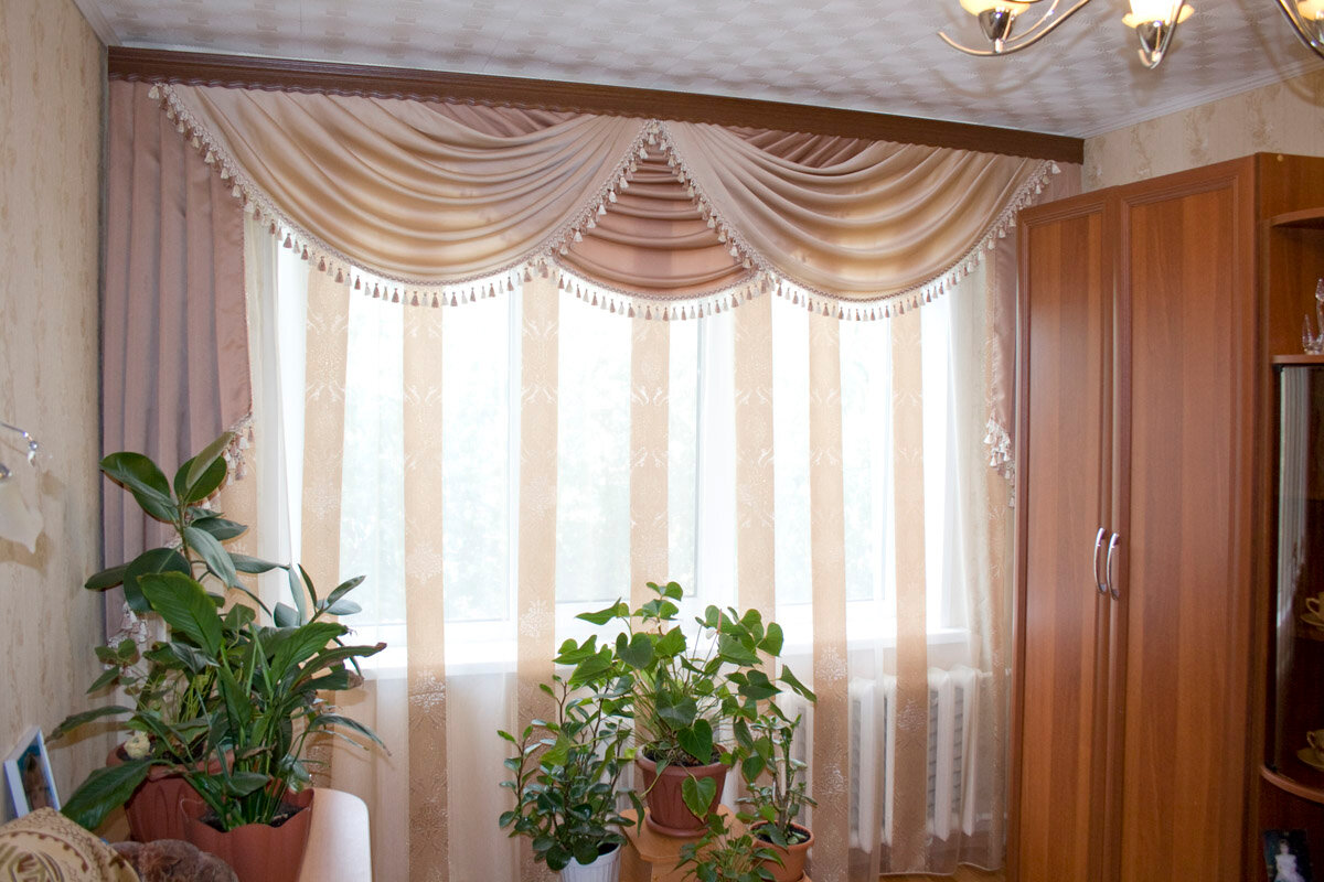 Картинки шторы в зал с ламбрекенами