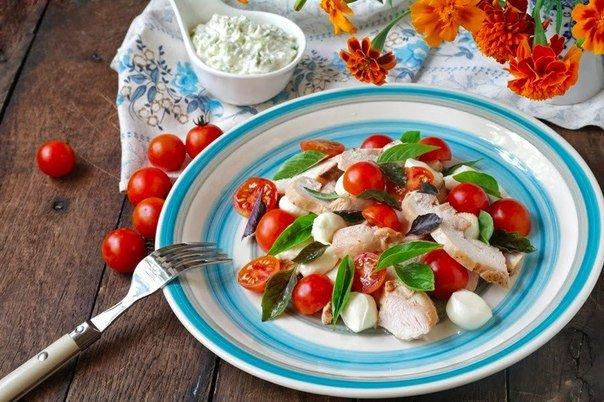Рецепты диетических мясных салатов