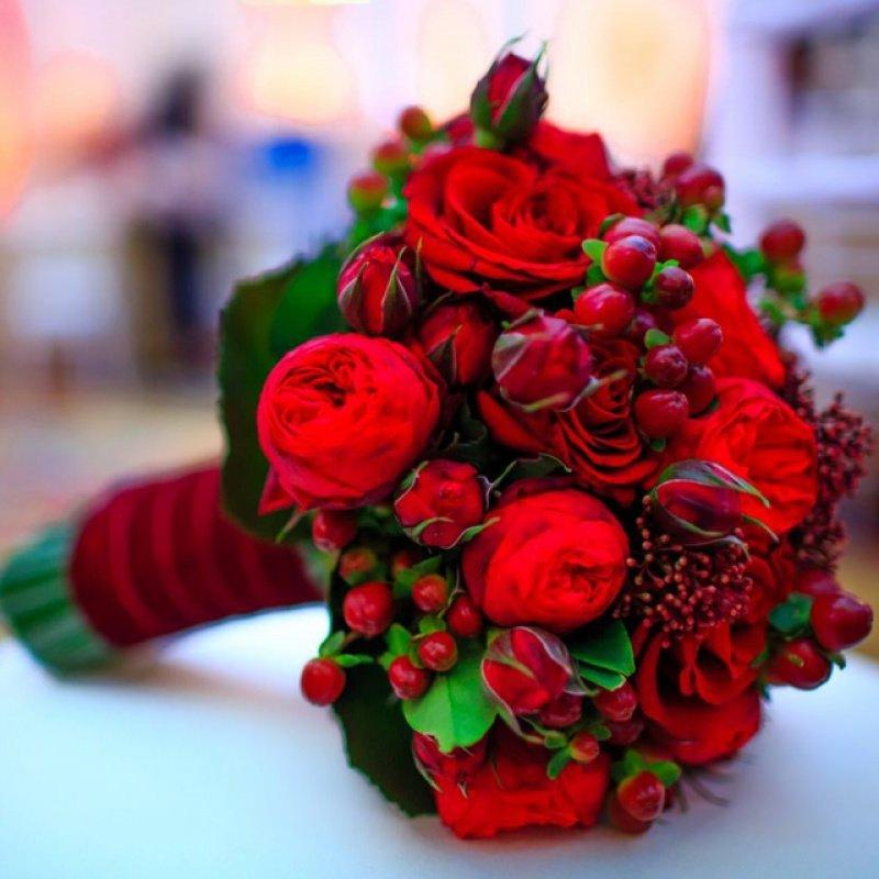 Элит букет, свадебные букеты с красными цветами фото