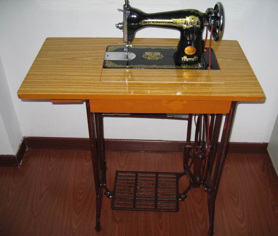 sewing machine table - 902×766