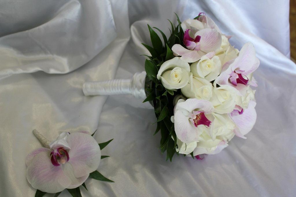 Доставка, свадебный букет розовая розами орхидеями