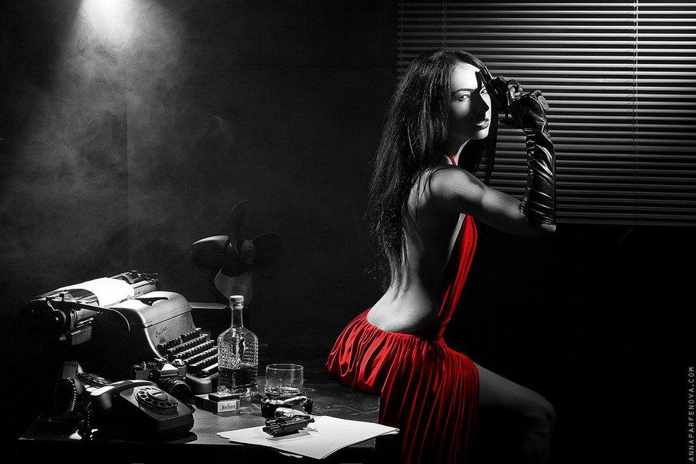 основе техники фотосессия в черно белом стиле с красным основной признак