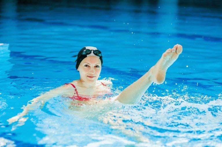 насколько плавание помогает сбросить вес