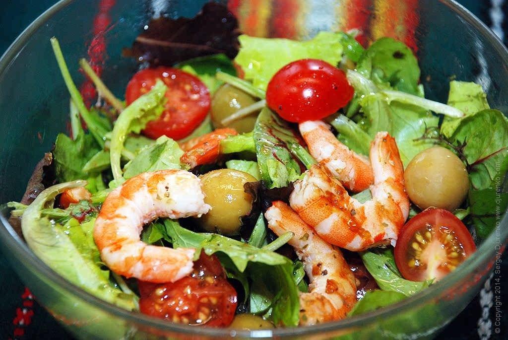 Салат с креветками самый вкусный и простой