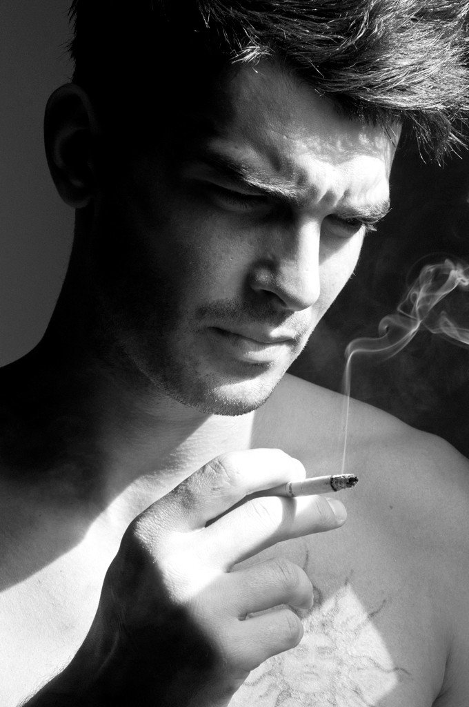 Картинка парень курящий