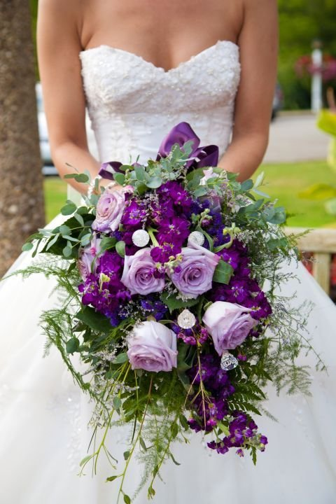 Букет Виолетова сватба