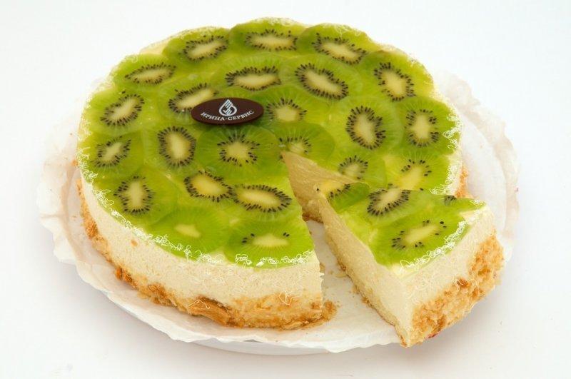 Торт из печенья без выпечки с киви