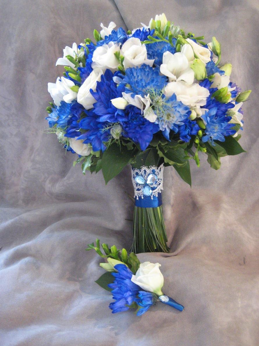 Для, букет из синей фрезии