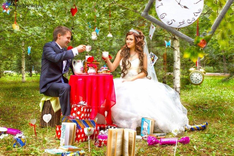 Свадьба в стиле алис в стране чудес фото
