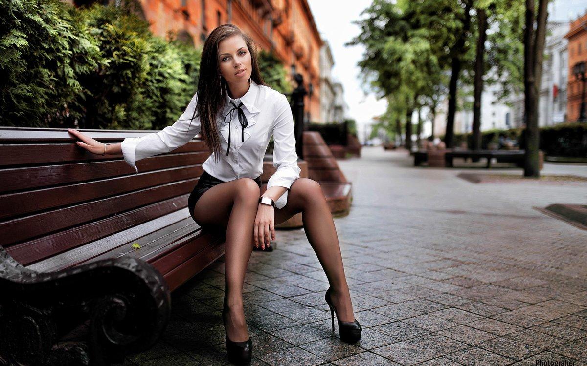 красивых горячие девушки на улицах еще