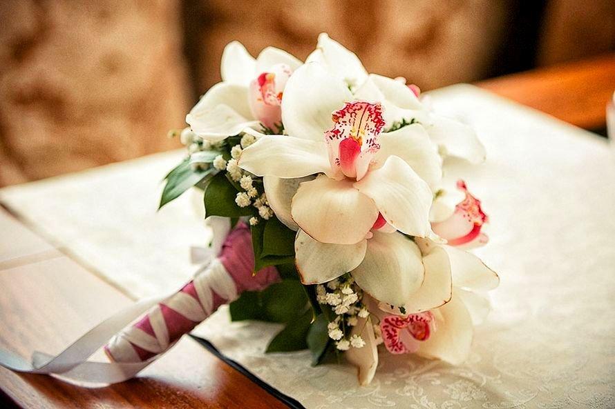 Заказ букета невесты из роз и орхидей, букеты цветов спб