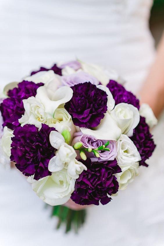 Свадебный букет с фиолетовым оттенком