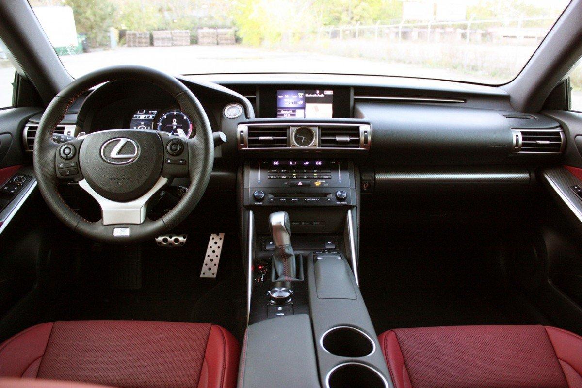 Lexus IS 250 AWD F Sport интерьер