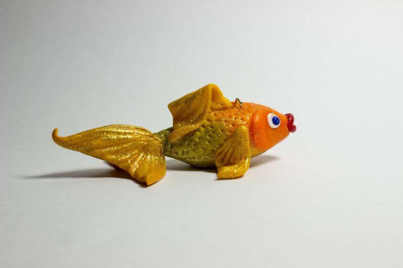 Золотая рыбка из полимерной глины делаем своими руками