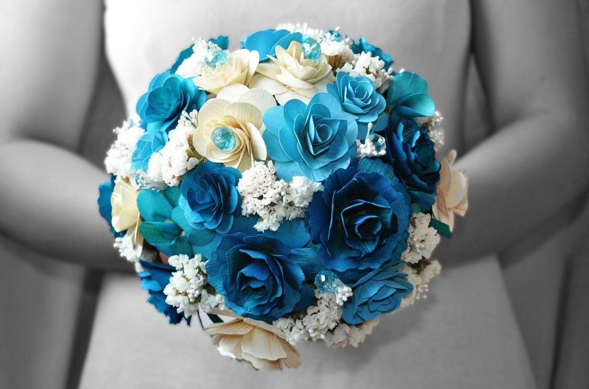 Букет к свадьбе из синих цветов, цветов