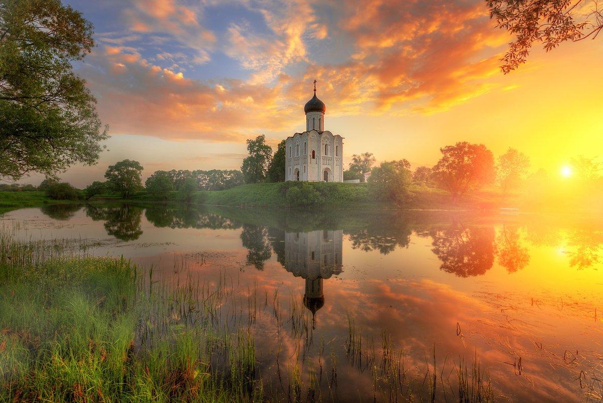 Утренний рассвет часовни фото