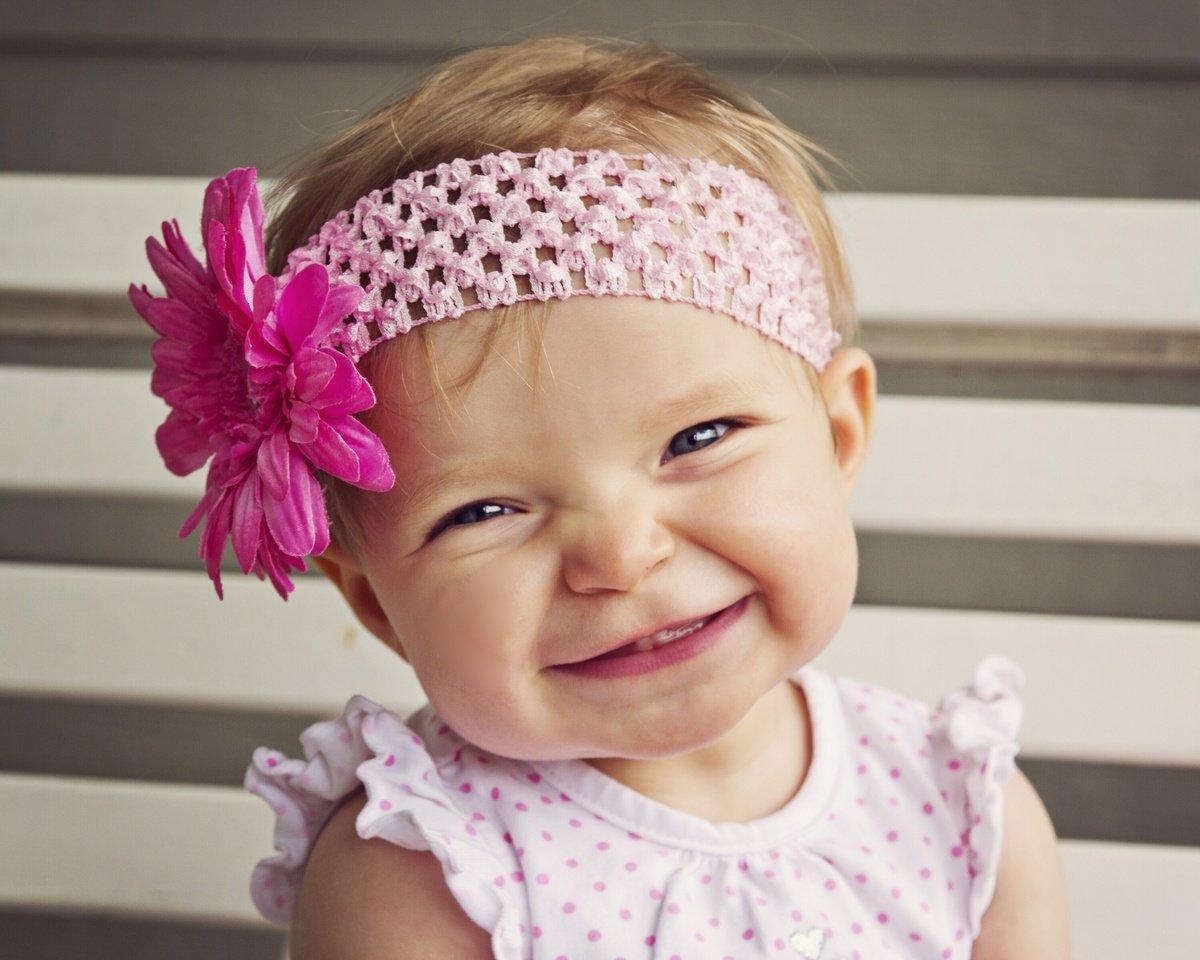 Открытки, картинки маленькие смешные девочки