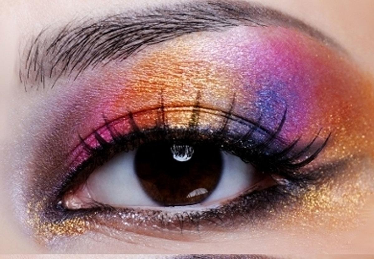 картинки красивых глаз с макияжем наглядности есть небольшая