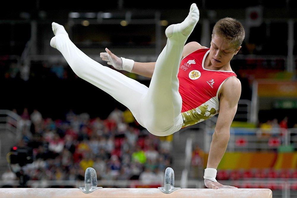 фото атлетичных гимнастов пришел