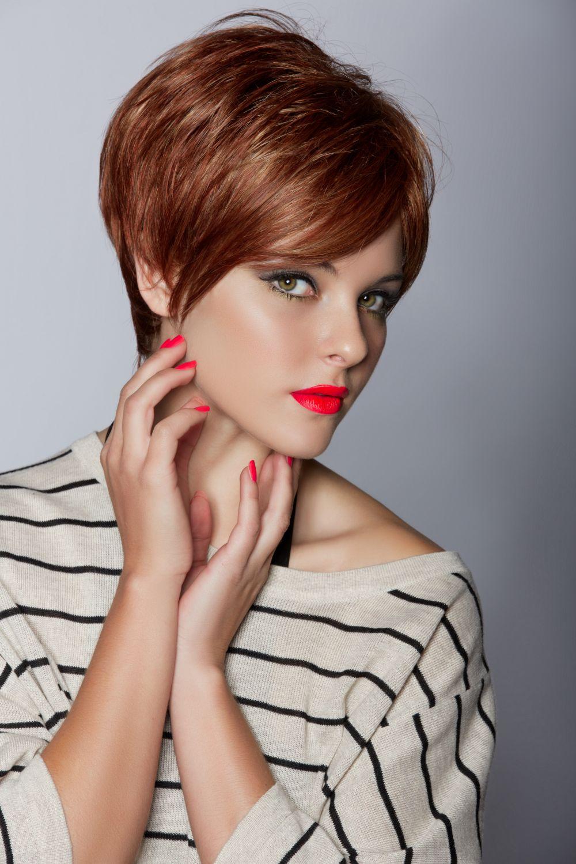 современная женщина способна сама выбрать стрижку окраску и укладку