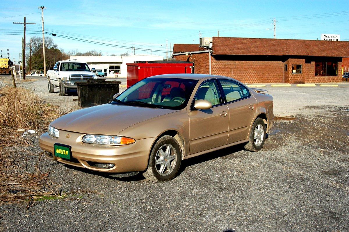 Oldsmobile Aurora 2000