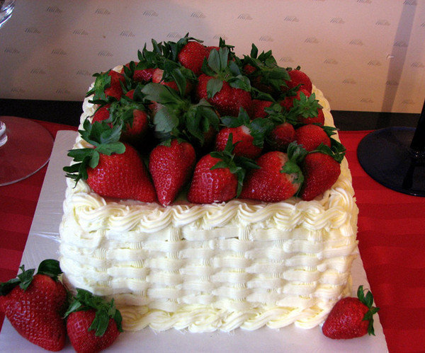 Красивые открытки с днем рождения для женщин с тортом, картинки спасибо