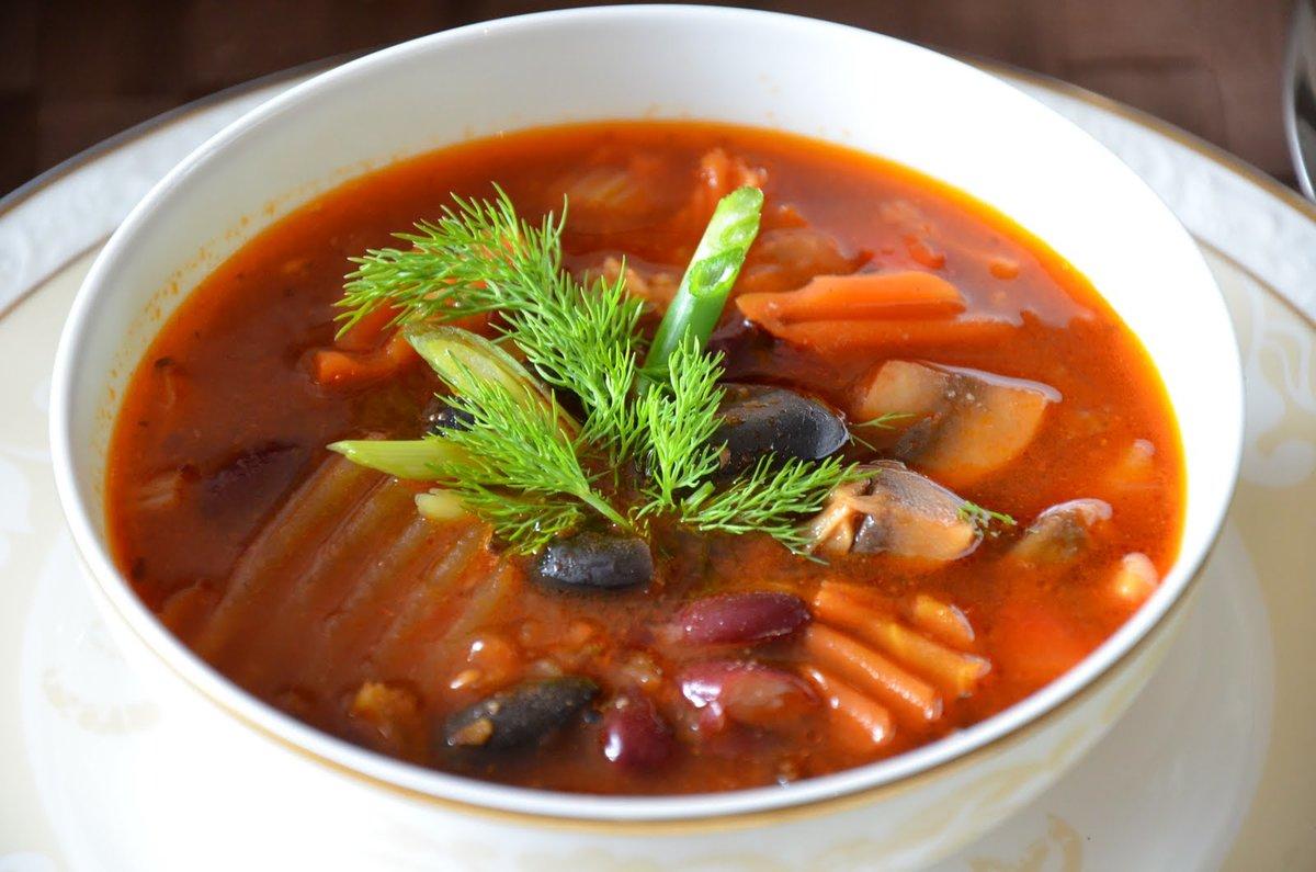 Ингредиенты к рецепту на 6 порций суп с курицей и фасолью.