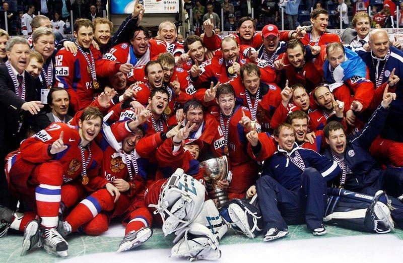 Картинки по запросу российские хоккеисты с золотыми медалями