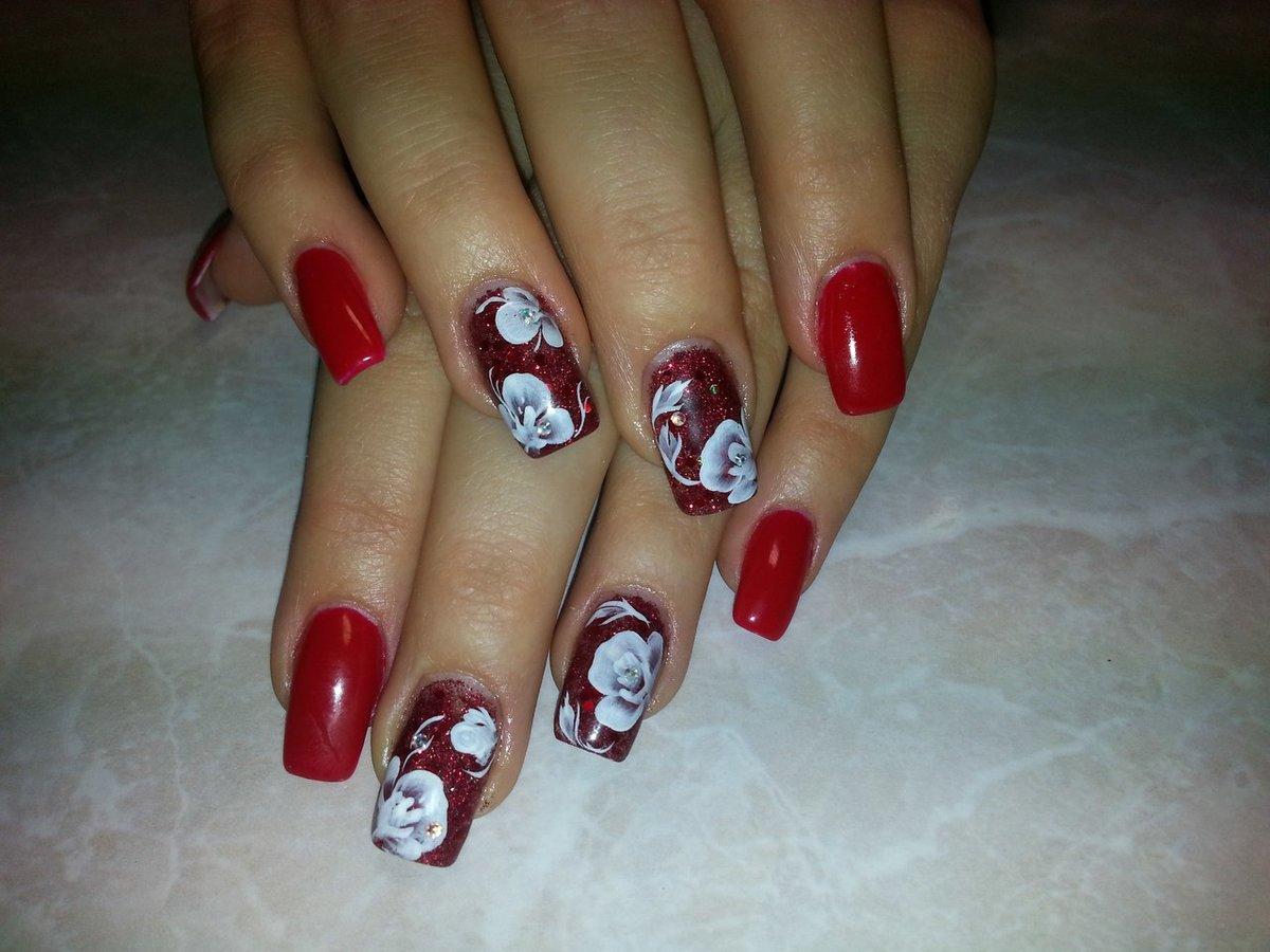 картинки красные ногти с рисунком этом домочадцы точно
