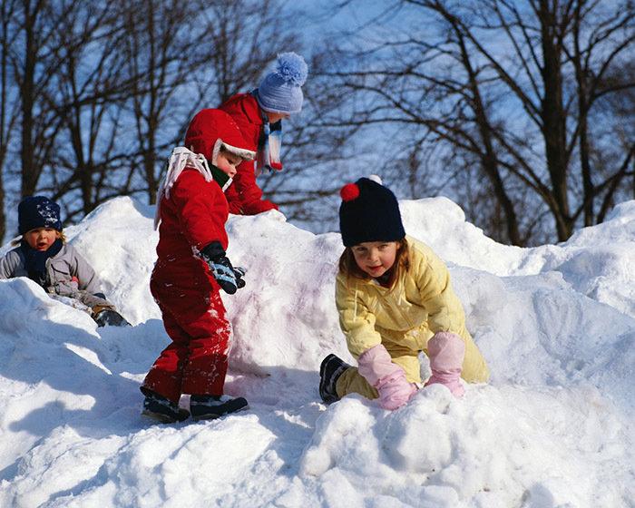 Детские картинки дети играют зимой