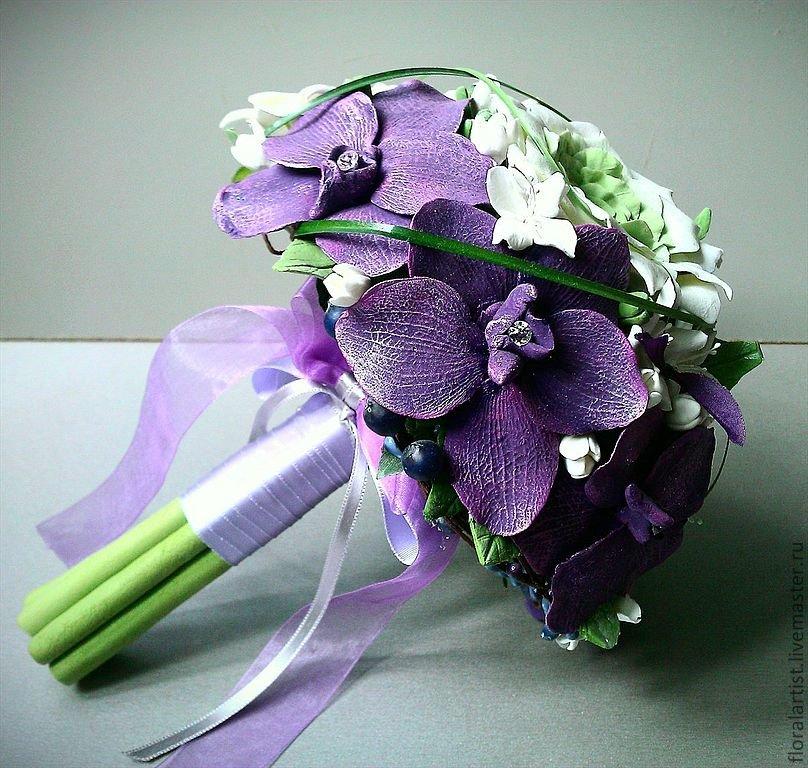Свадебный букет с фиолетовым оттенком, цветов любые города