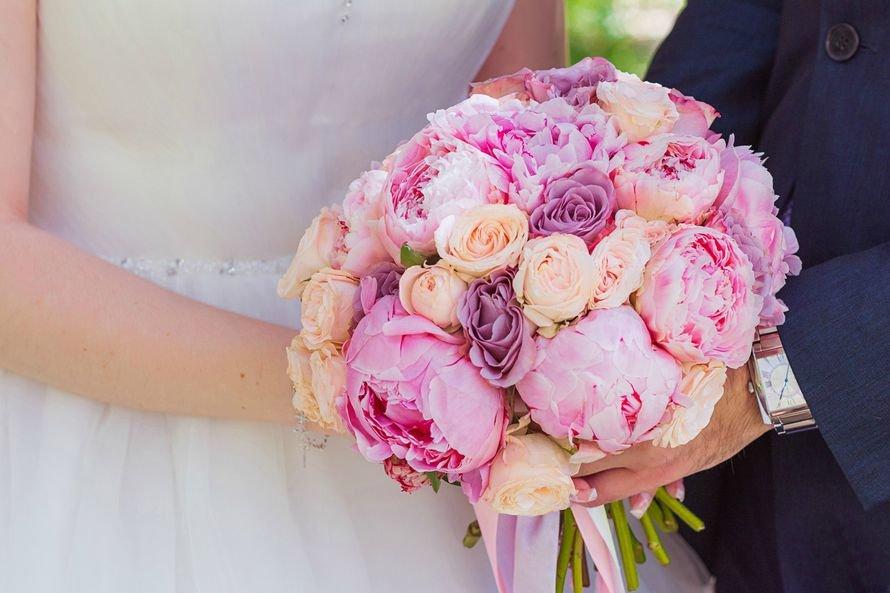 Цветы для, букет из розовых пионов с розами