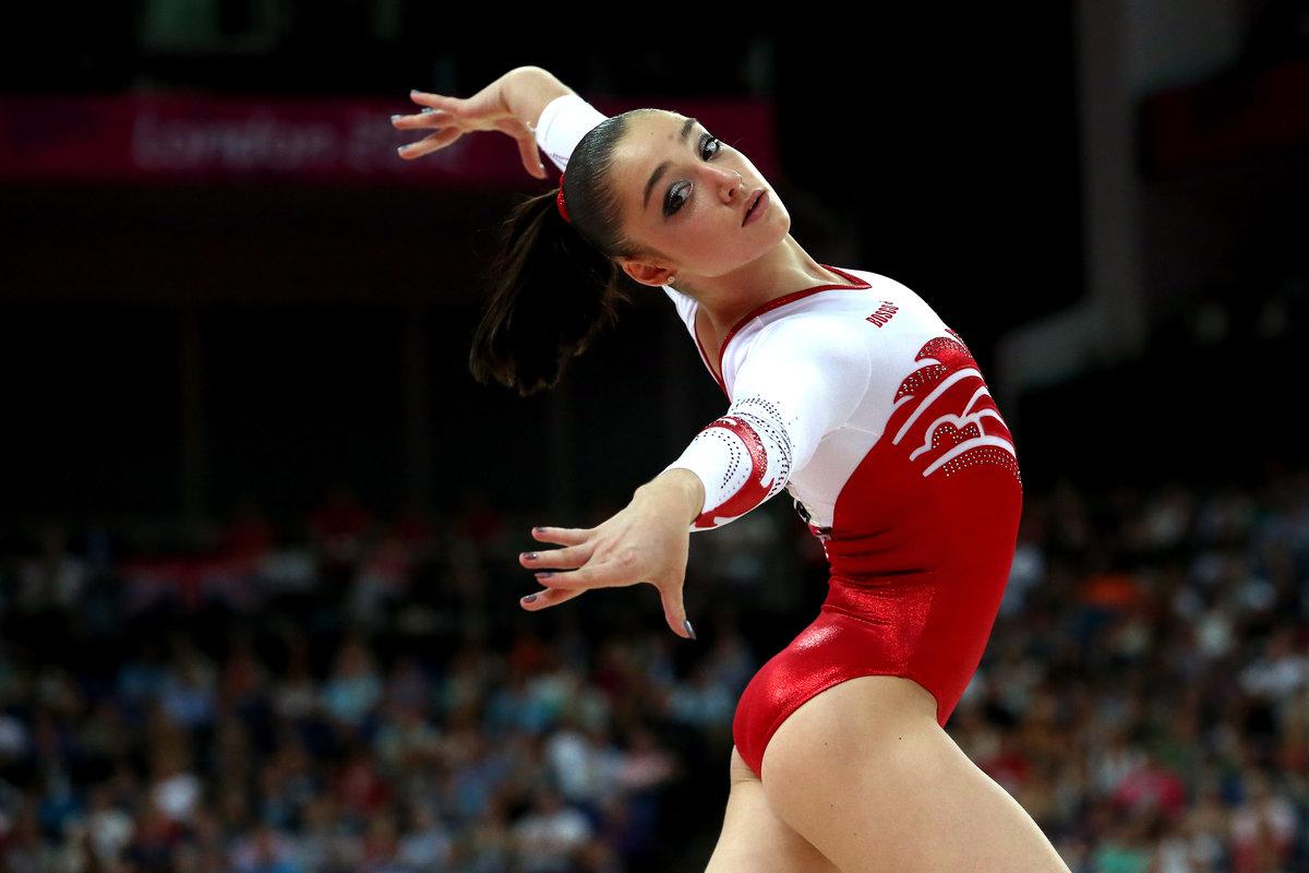 Видео молодые эро фото олимпийской чемпионки девушка