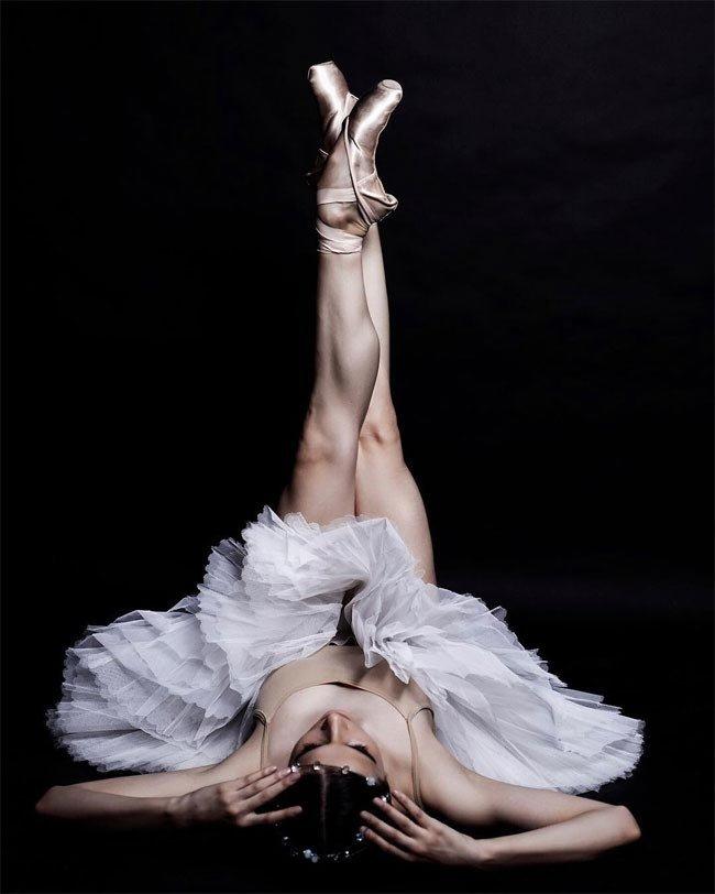 пикантность в позах балерин - 12