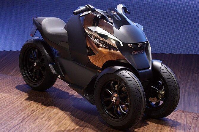Концепт трехколесного скутера Onyx, оснащенного гибридной силовой установкой, выдающей в общей сложности 60 лошадиных сил.