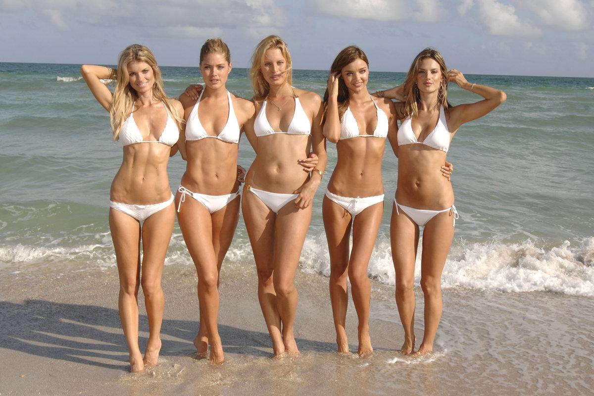 Русские телочки на пляжах отрываются сексапильные правы