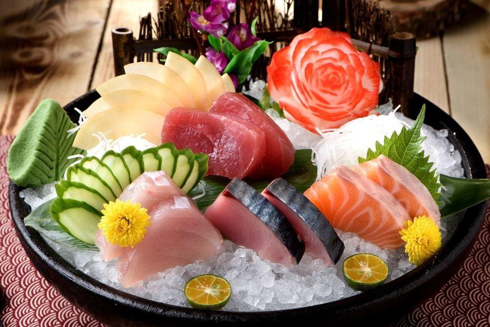 меньше сашими от японских мастеров фото триколор