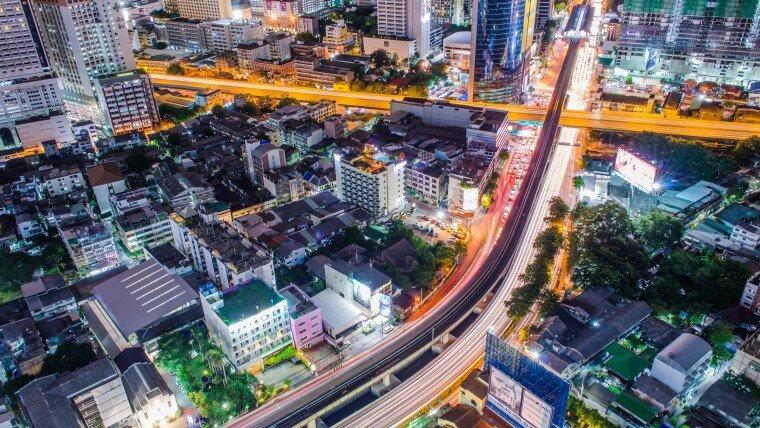Ночные улицы большого города